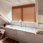 Persienner praktisk og elegant også i baderommet